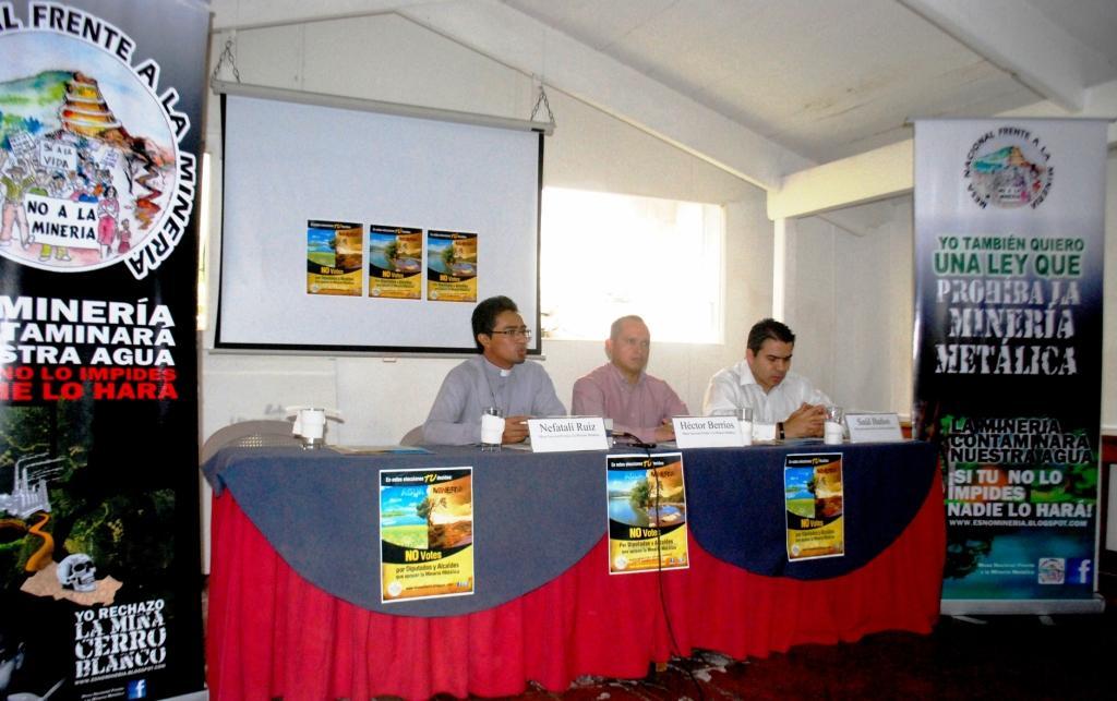 Población vota para prohibir proyectos mineros al norte de El Salvador