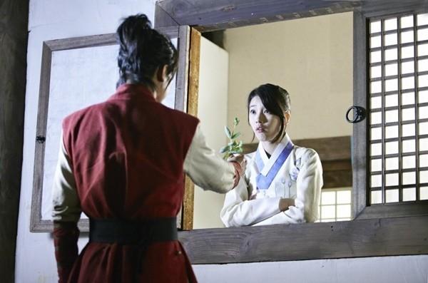 Lee Seung Gi mất 3 tiếng để... tặng hoa cho Suzy 3