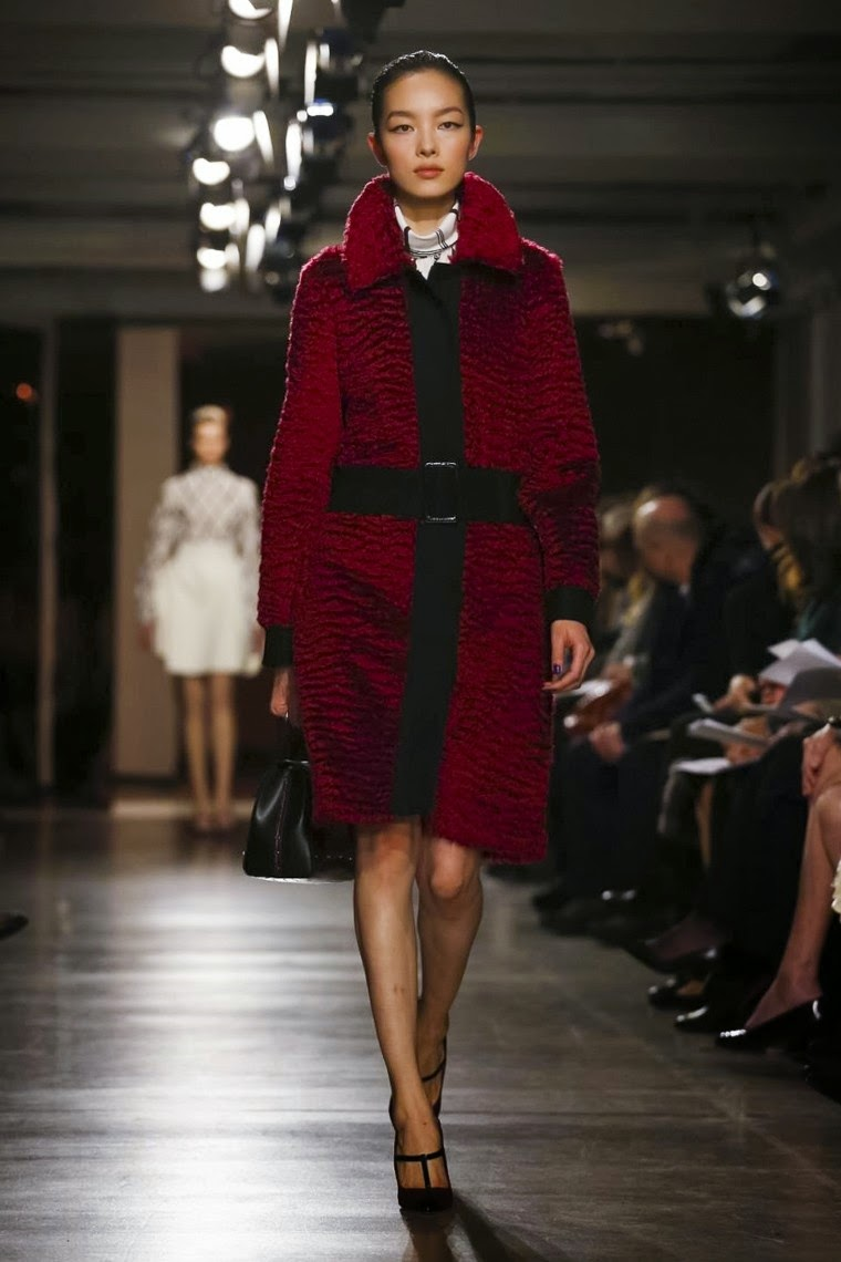 Oscal de la Renta fall, Oscal de la Renta fall 2015, Oscal de la Renta fall winter, Oscal de la Renta fall winter 2015, Oscal de la Renta AW, Oscal de la Renta AW 2015, Oscal de la Renta autumn winter, Oscal de la Renta autumn winter 2015, Oscal de la Renta automne hiver, Oscal de la Renta automne hiver 2015, du dessin aux podiums, dudessinauxpodiums, oscar de la renta dress, oscar de la renta dresses, robe oscar de la renta, fashion blog, blog mode, mode paris, paris mode, fashion news, designer, fashion designer, moda in pelle, ross dress for less, fashion magazines, fashion blogs, mode a toi, revista de moda, vintage, vintage definition, vintage retro, top fashion, suits online, blog de moda, blog moda, ropa, asos dresses, blogs de moda, dresses, tunique femme, vetements femmes, fashion tops, womens fashions, vetement tendance, fashion dresses, ladies clothes, robes de soiree, robe bustier, robe sexy, sexy dress