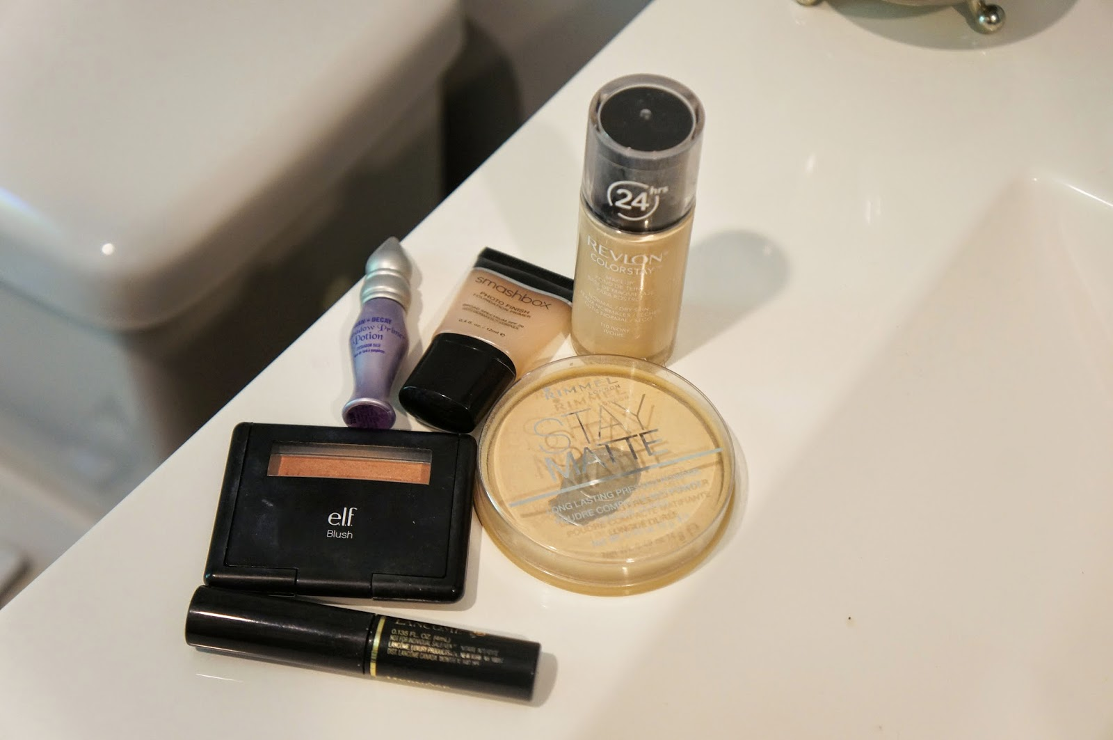 My Quick and Refreshing Morning Bathroom Routine hellokelcey.blogspot.com