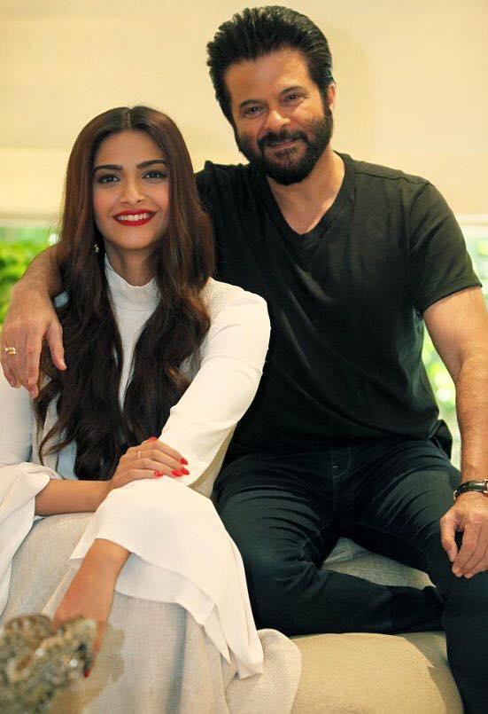 Sonam Kapoor with Anil Kapoor Pic