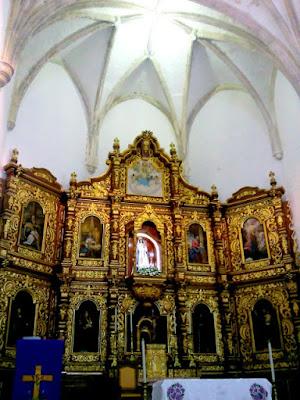 Interior Altar Iglesia Convento Izamal Yucatan Mexico