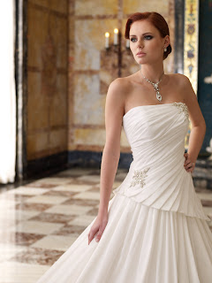 Bridal Gowns 2011 Fashion Trends, photos wedding gown brides
