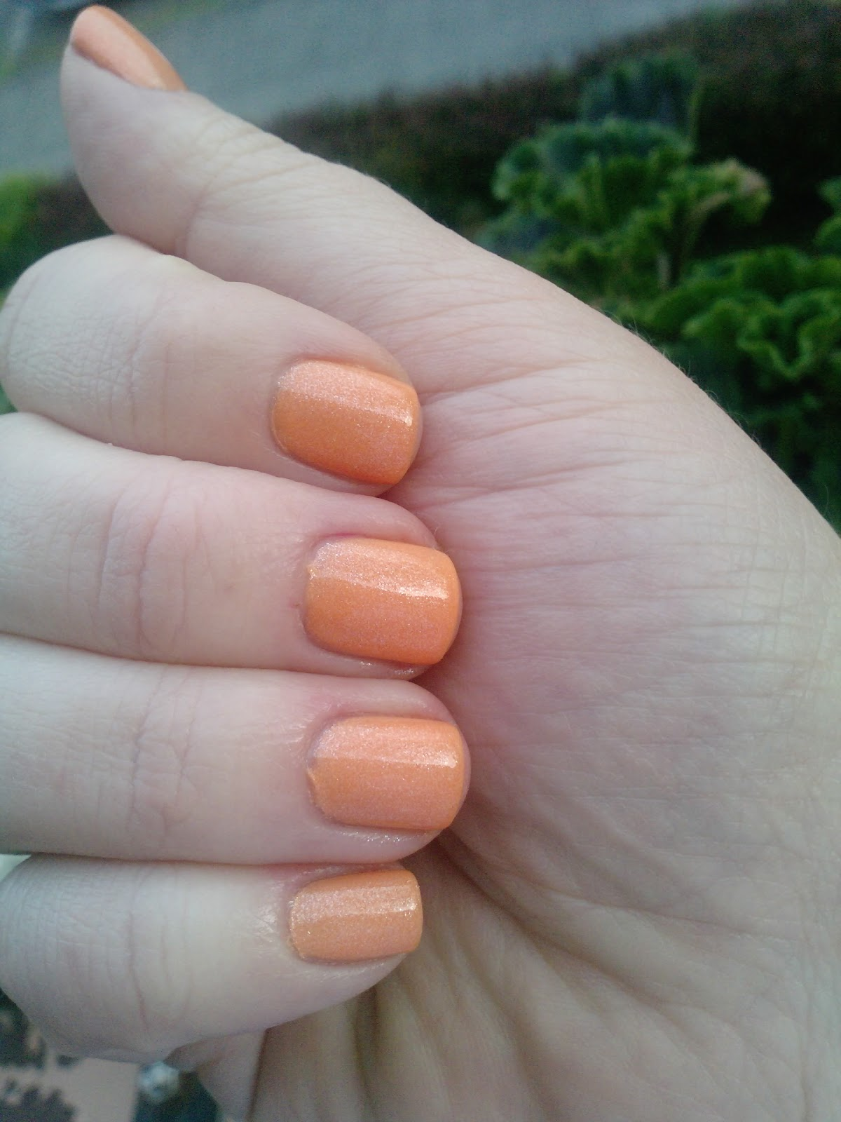 hautnah beauty swatch p2 color me softly nail polish in 020 pearly orange. Black Bedroom Furniture Sets. Home Design Ideas