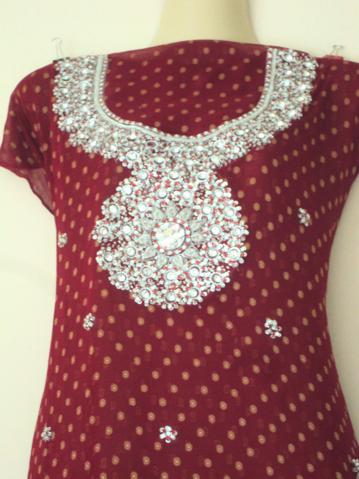 Neck design, neck designs, fashion neck designs, shalwar kameez neck designs, neck dezin, neck desing, neck desi, neck pettern, neck dress, neck dresses, fashion suits, fashion brow.