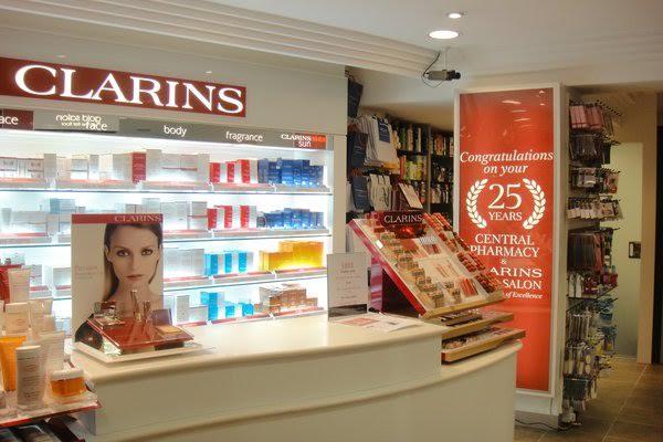 Joie de jodie tri active facial at a clarins gold salon for Clarins salon