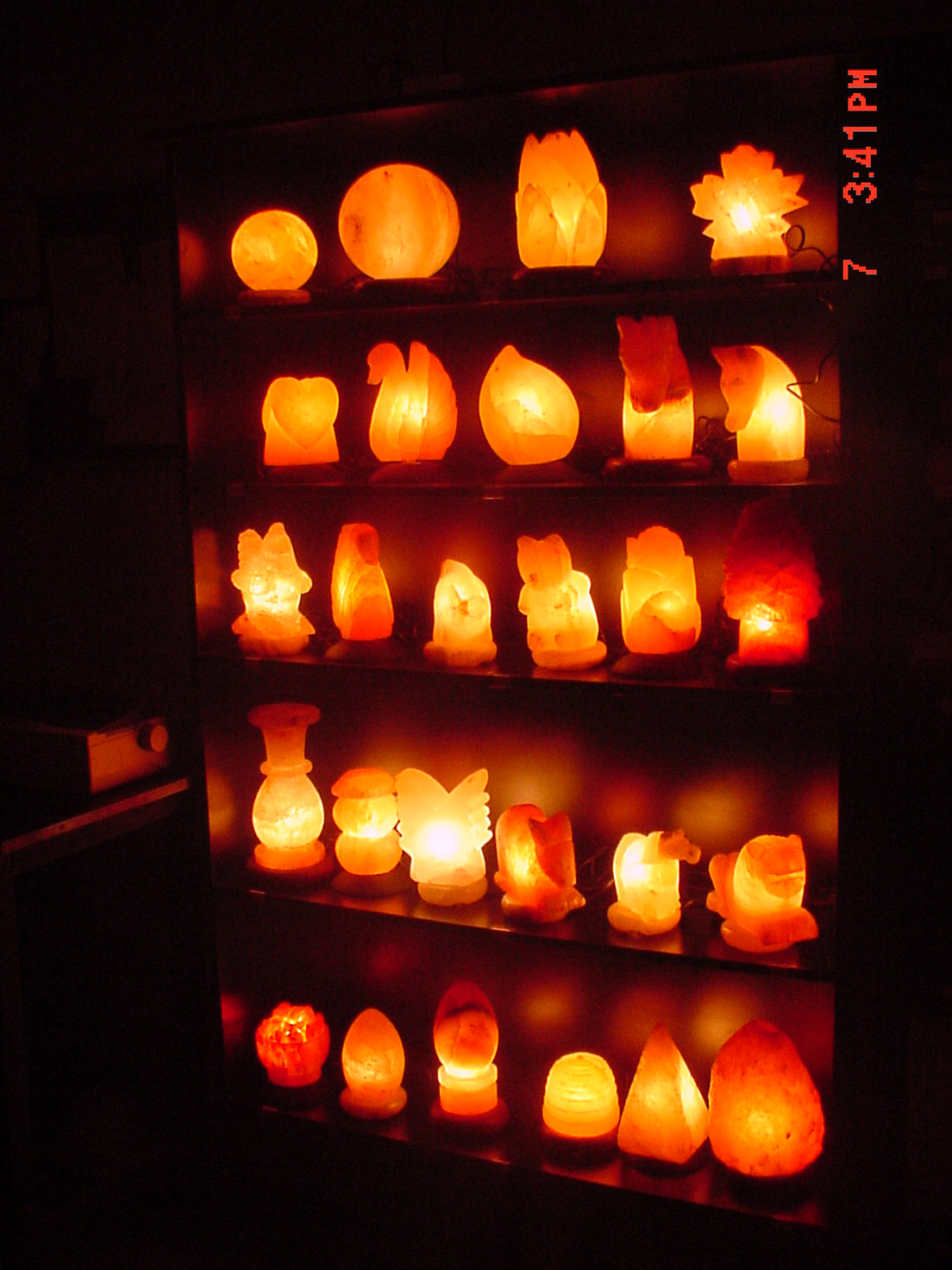Salt Lamps Near Tv : Himalayas Salt Lamp