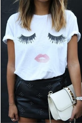 iGot White Eyelash & Lip Print Round Neck T-shirt from YOINS!