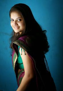 Actress Shafna In Saree 2.jpg