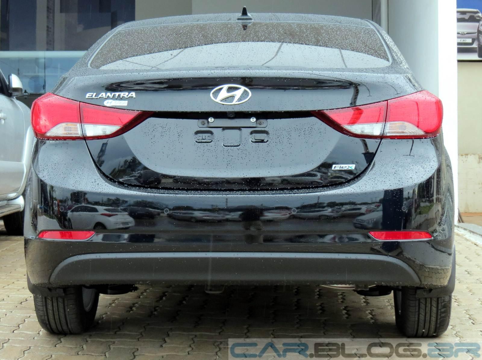 Hyundai Elantra 2.0 Flex 2014 - Preto