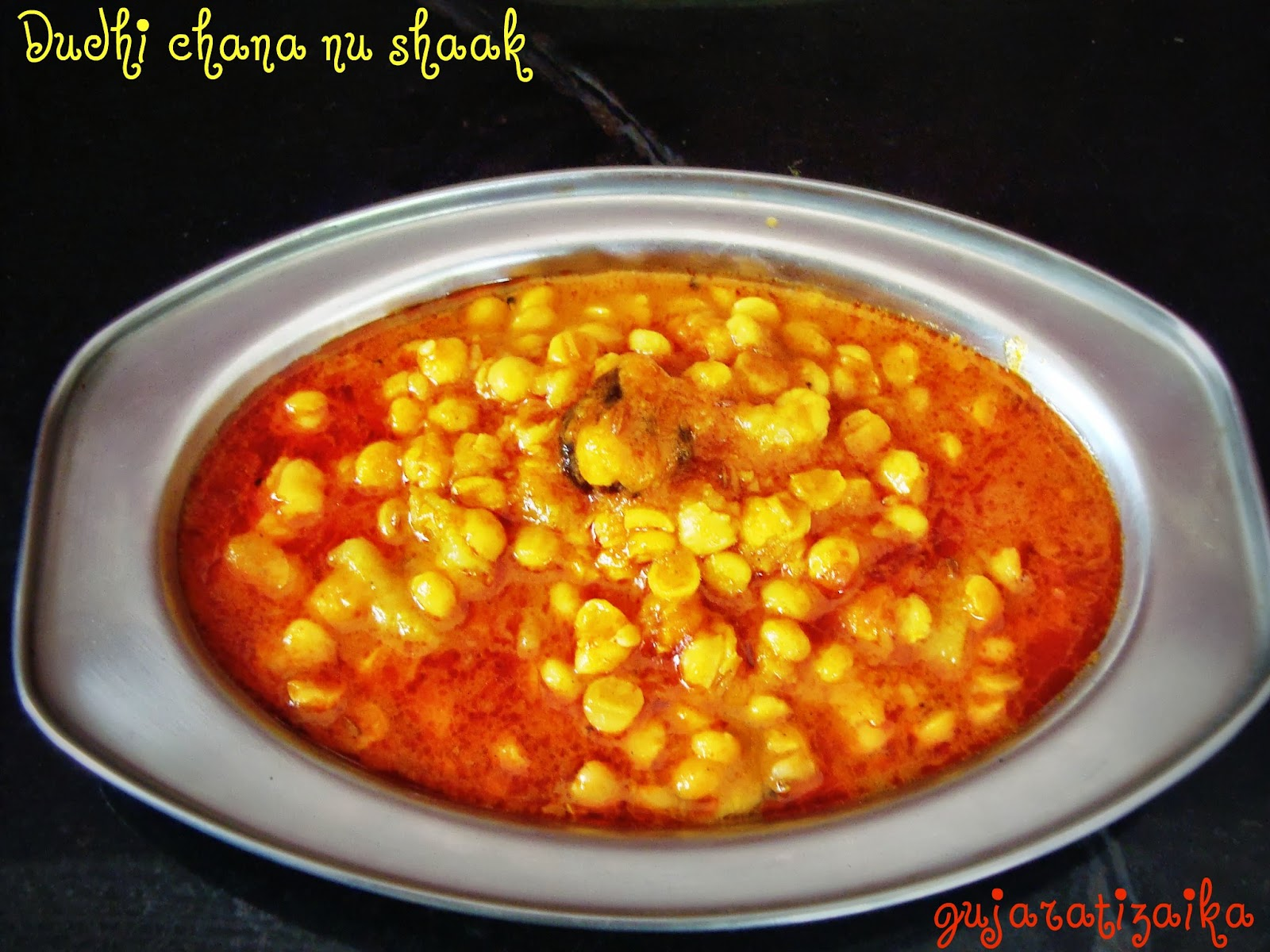 Gujarati zaika dudhi chana nu shaak bottle gourd bengal gram dal dudhi chana nu shaak bottle gourd bengal gram dal curry gujarati shaak recipe forumfinder Image collections