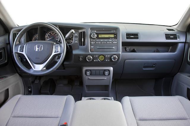 The 2012 Honda Ridgeline interior