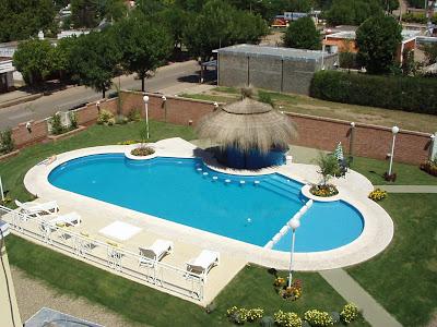 Hidrorumipal piscinas piscina el portal de la villa for Hotel con piscina en cordoba