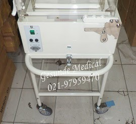 Tipe Inkubator Bayi D2006