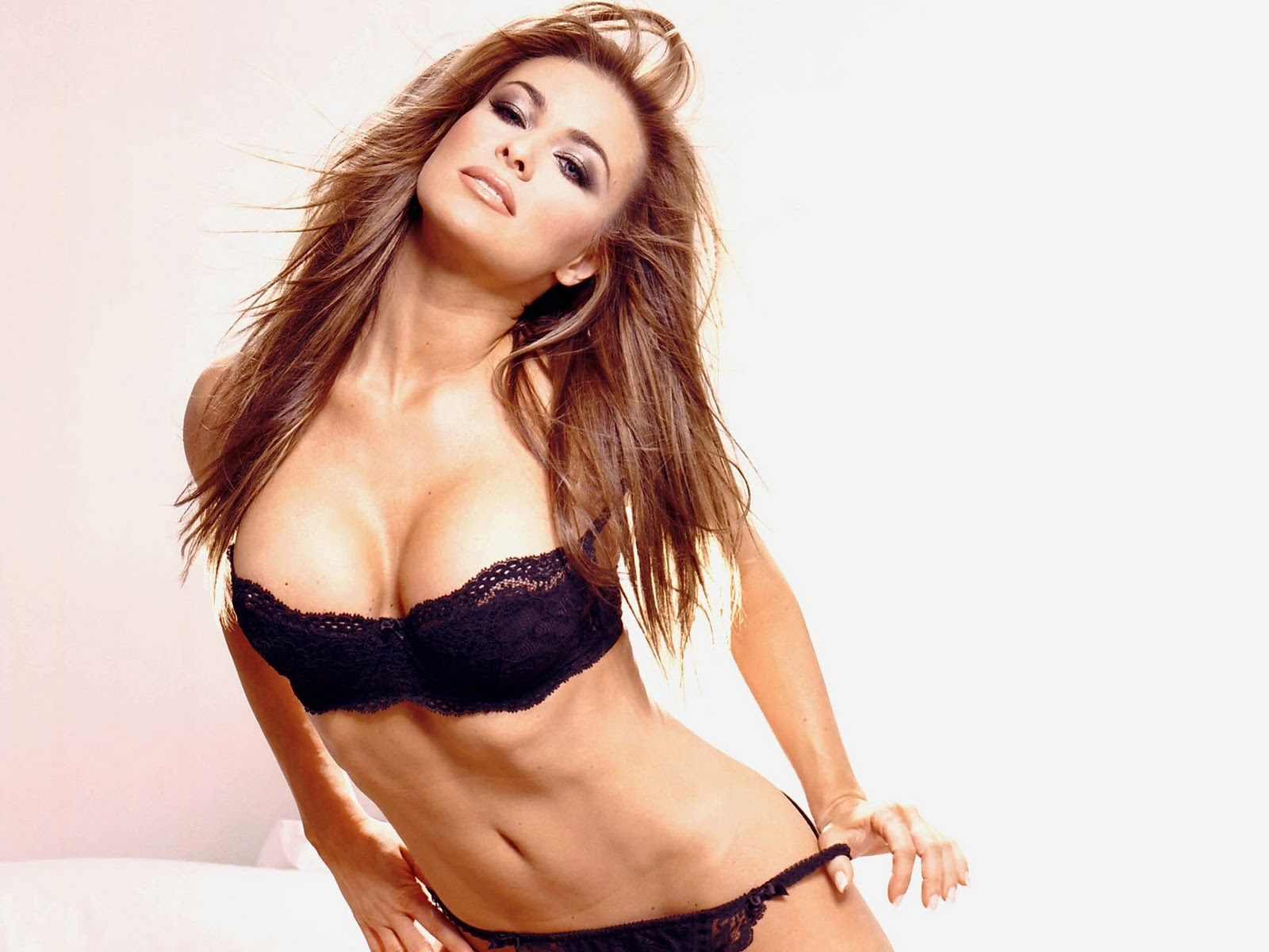 God carmen electra in lingerie