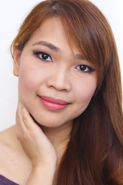 眼部化妆教程为下垂的眼睛