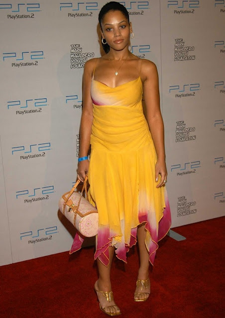 celebrity heights how tall are celebrities heights of celebrities how tall is bianca lawson. Black Bedroom Furniture Sets. Home Design Ideas