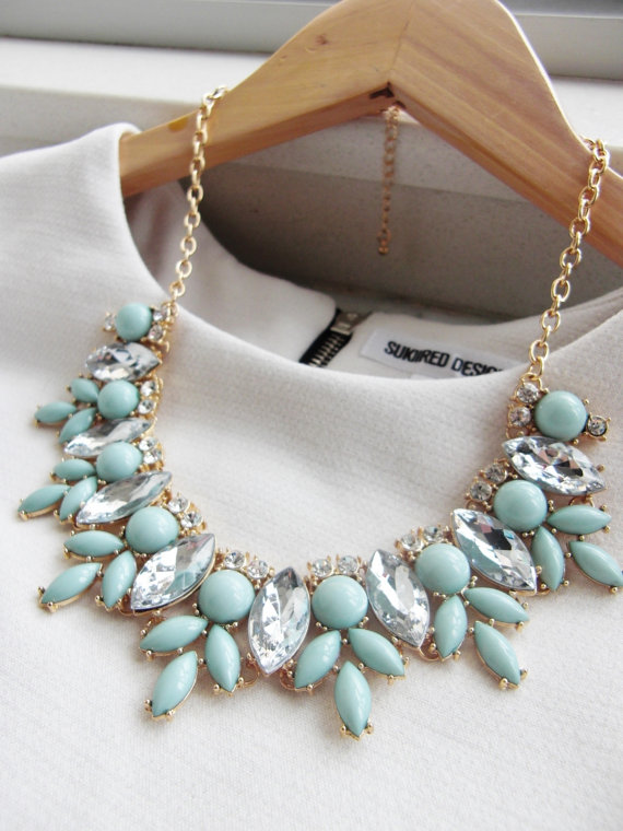 Gorgeous Mint Green Necklace
