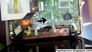 cara buka mainboard laptop