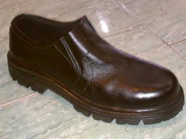 Sepatu Safety Pendek