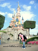 annie in Paris Disneyland