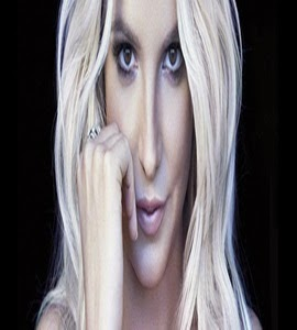 Britney Spears libera segunda imagem promocional da nova linha da coleção de lingerie