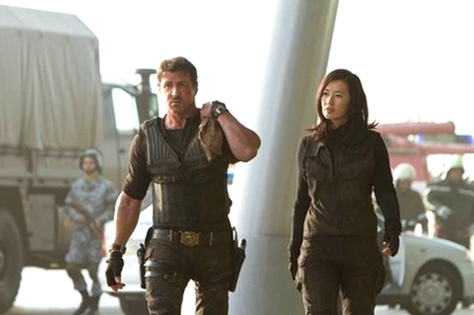 "club schwarzenegger: yu nan , la chica dura de ""the expendables 2"""