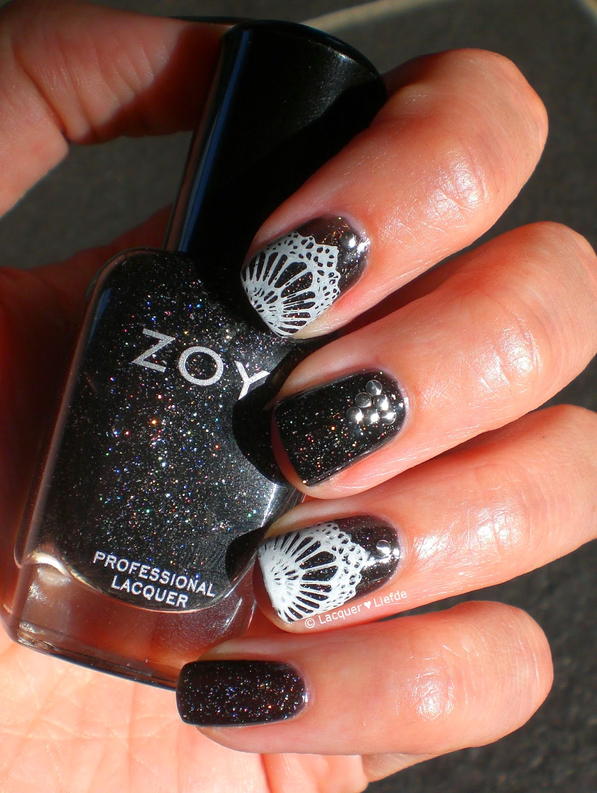 Mo You London Bridal Lace Design with Zoya