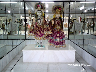 Wonderful mosaic idols of Radha Krishna in a Glass Temple along the way to Haridwar