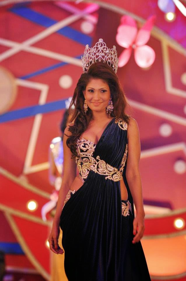 Miss Sri Lanka 2011 Pushpika Sandamali - at Blue Water