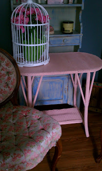 pink wood & wicker table