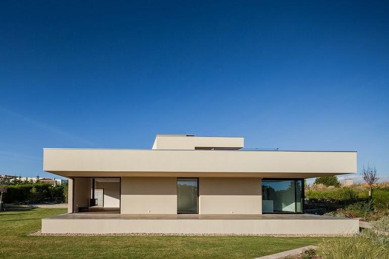 Casa belas dise o minimalista est dio urbano arquitectos - Casa minimalista una planta ...