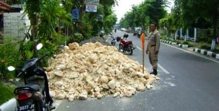 Jalan Raya Miris