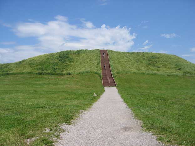 Cahokia Mounds State