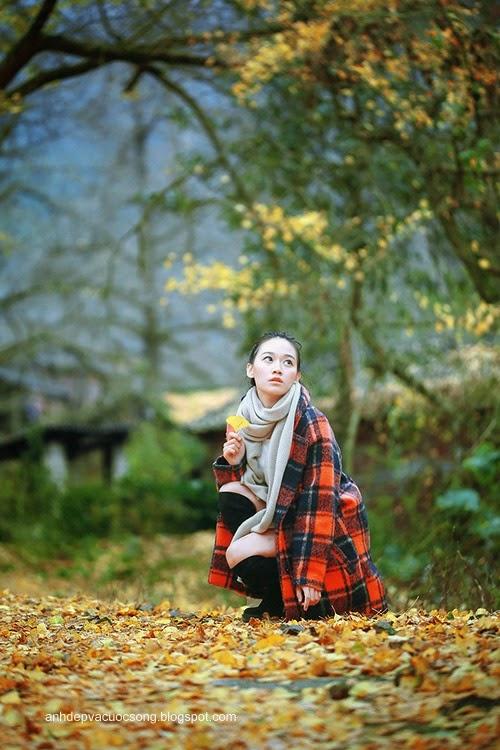 Thiếu nữ dao phố mùa thu 9