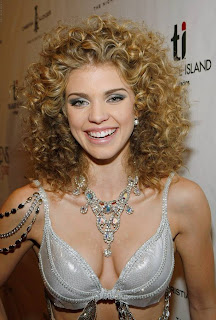 AnnaLynne McCord Hot Picture Gallery