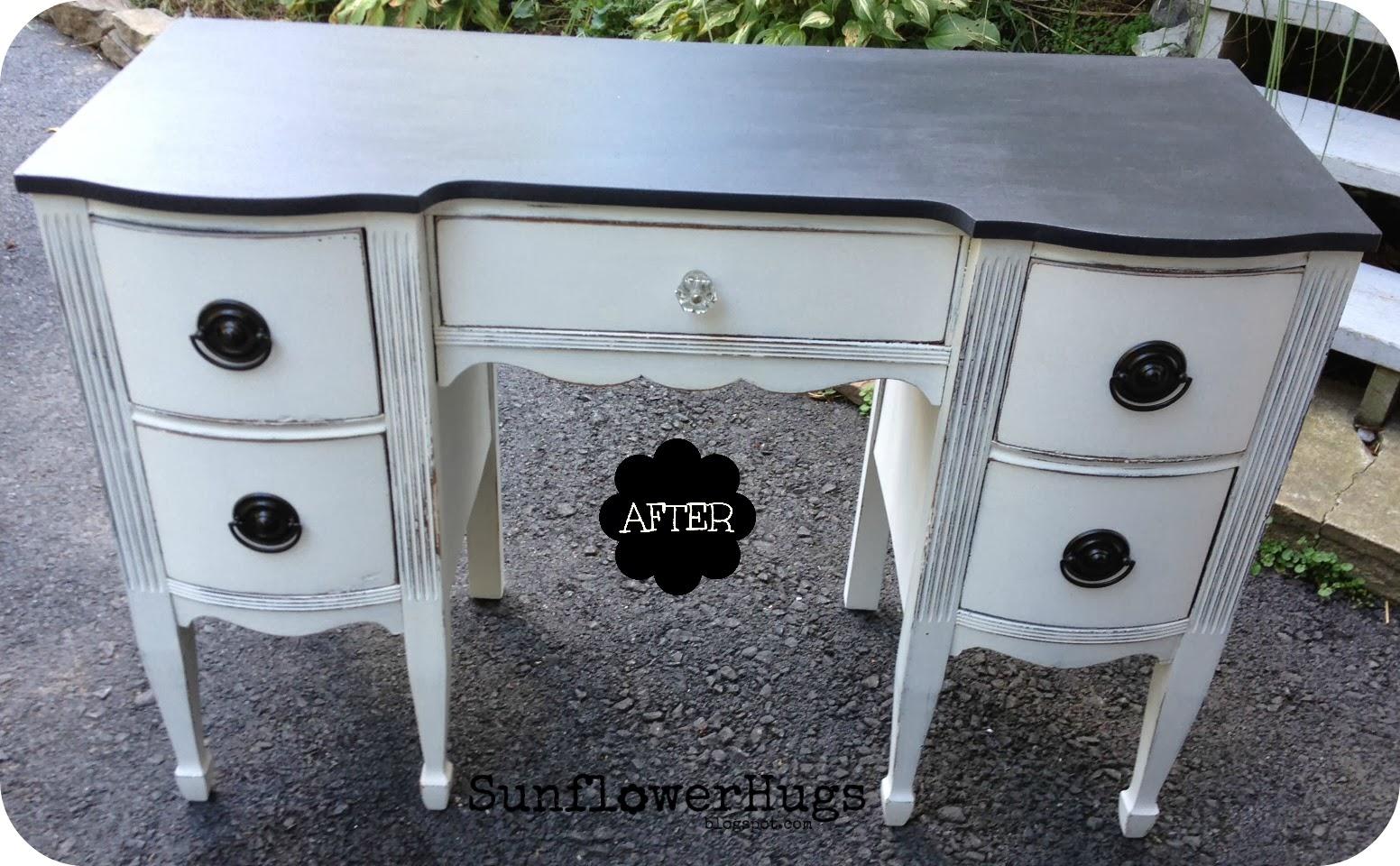 sunflowerhugs black white desk. Black Bedroom Furniture Sets. Home Design Ideas