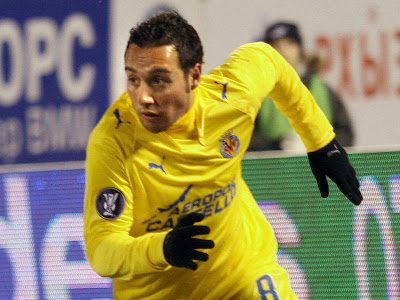 Arsenal's Wenger denies Cazorla move