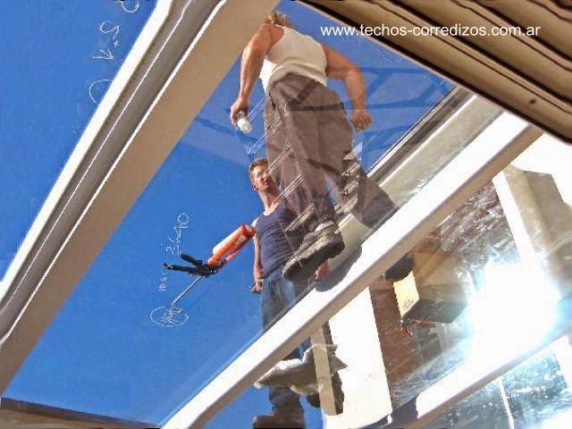 Arquitectura de casas cerramientos de vidrio para el patio - Cambiar tejado casa antigua ...
