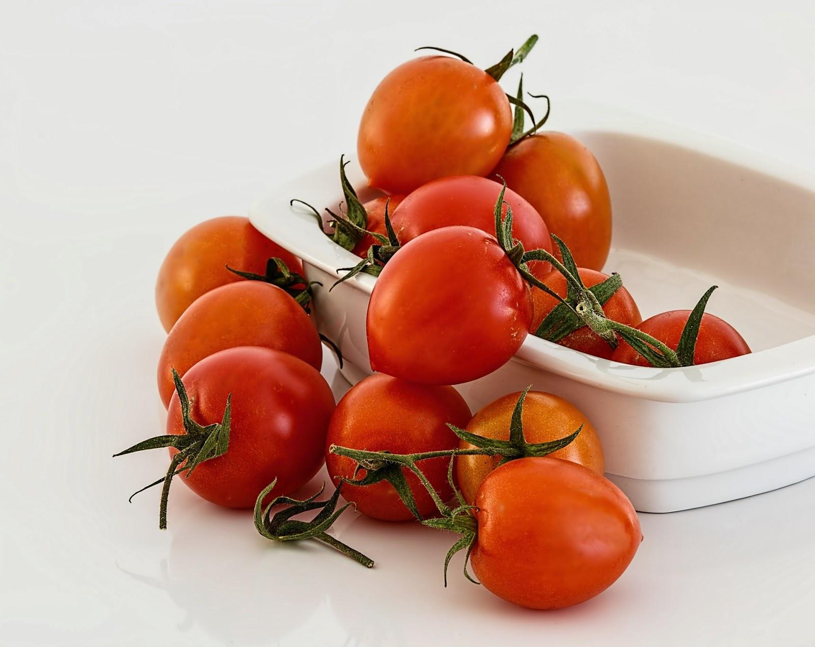 Δείτε πως επιταχύνουμε την ωρίμανση της ντομάτας οικολογικά...