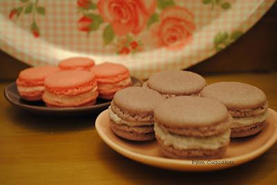 Macarons de rosas y violetas