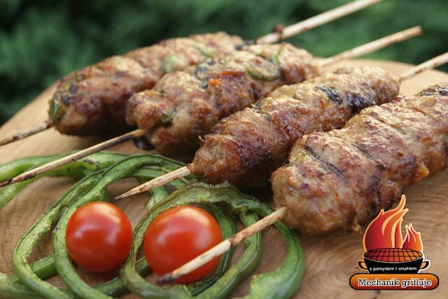 Turecka grillowana kofta z baraniny jagnięciny wołowa mięso na grillu bbq
