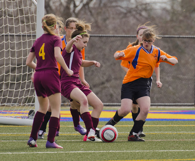 photo of girls high school soccer № 14101