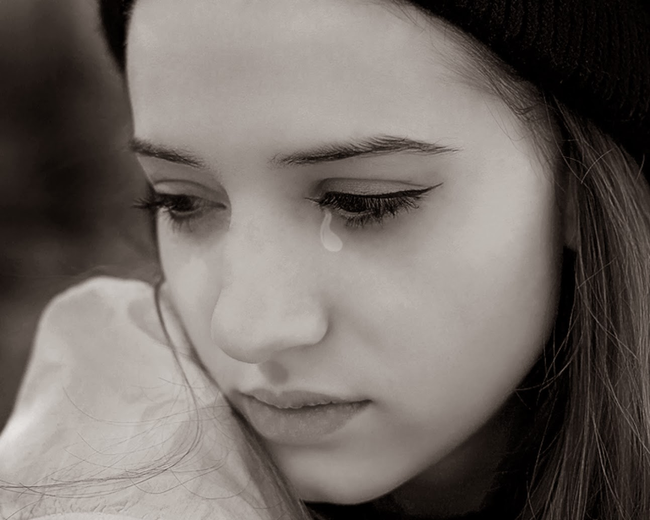 Free wallpapers latest walpapers pictures love - Sad girl pictures crying ...