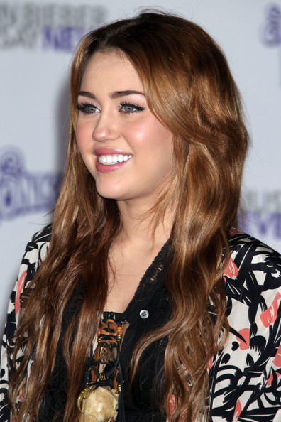 miley cyrus 2011. Miley+cyrus+and+noah+cyrus+2011 Younger sister you can find by violet on the link From wife tish,miley cyrus , there, cyrus De miley cyrus -apr- their