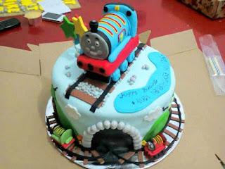 Contoh kue ulang tahun pertama anak laki-laki