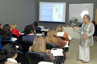 Profissionais de saúde da Rede Municipal são capacitados para promover o aleitamento materno