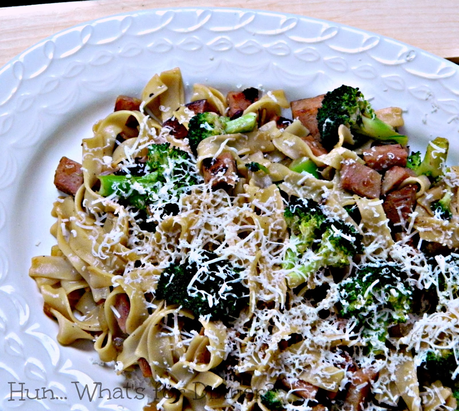 One Week, 1 Ham and $35- Easy Ham and Broccoli Pasta www.hunwhatsfordinner.com