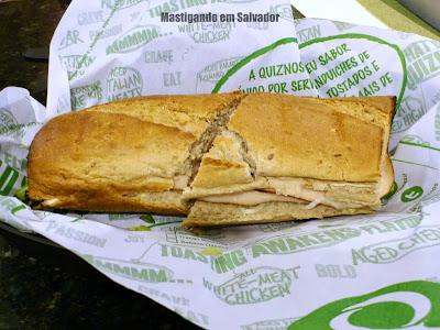 Quiznos: Sanduíche Peito de Peru Ranch no Pão Integral
