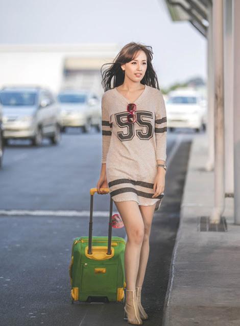 Những mẫu váy ngắn trên chất liệu vải thun mang lạ sự thoải mái cho cơ thể thường xuyên được hoa hậu chọn lựa khi xuất hiện tại phi trường.